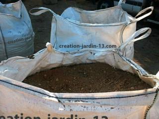 Terre végétale tamisée naturelle en big bag de 1m3