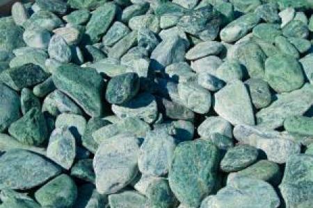 Galets de marbre vert