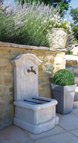 Fontaine murale vente fontaines et bassins marseille 13 - Fontaines de jardin murales ...