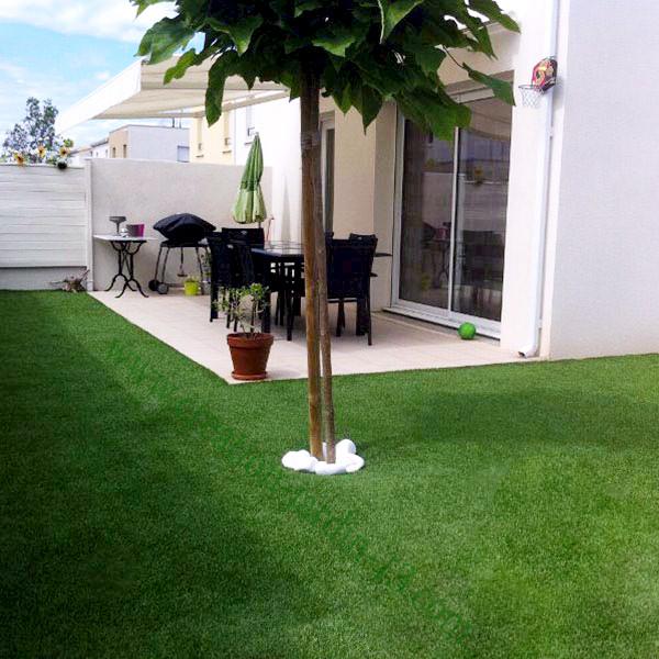 Prix pelouse synthetique cheap gazon synthtique terrasse for Combien demander pour tondre la pelouse